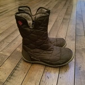 Girls Columbia boots